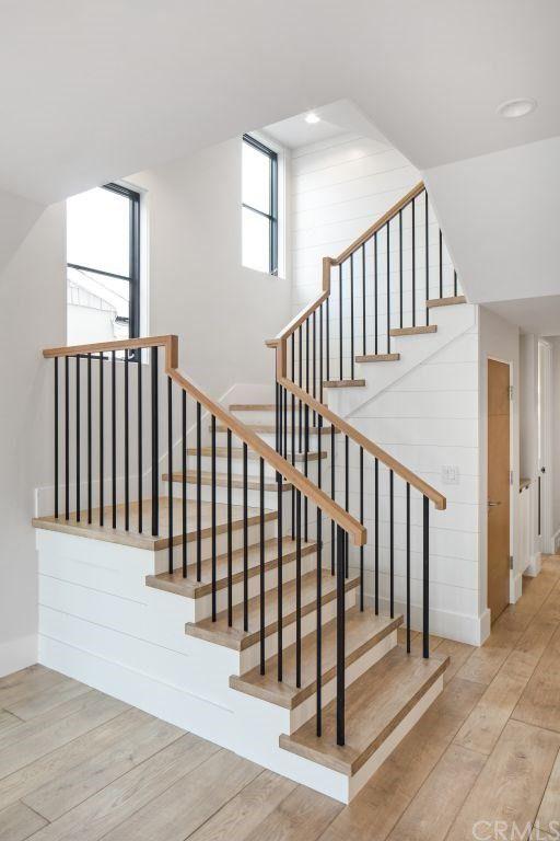 pose escalier maison interieur